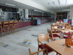 Café Bar a šatny - předsálí