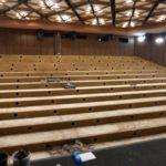 Hlediště kina bez sedaček a bez staré podlahy